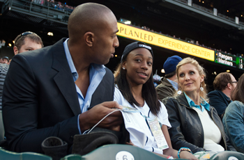 Jewell Loyd catching the M's with her new head coach, Jenny Boucek