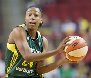 Jewell Loyd looks for an open passing lane. (Neil Enns/Storm Photos)
